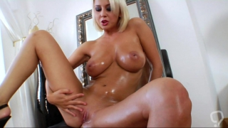 Butt hole insertion with slutty cougar