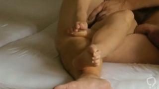 Peter und Anna in einer gegenseitigen Masturbation mit abspritzen