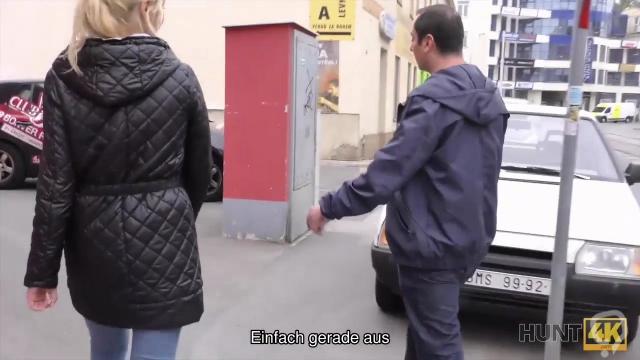 HUNT4K. Blonde hort auf, mit BF zu kampfen, weil ein Fremder Geld gibt